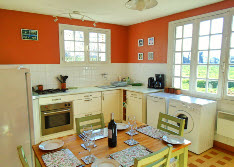 self catering cottage with garden in brittany
